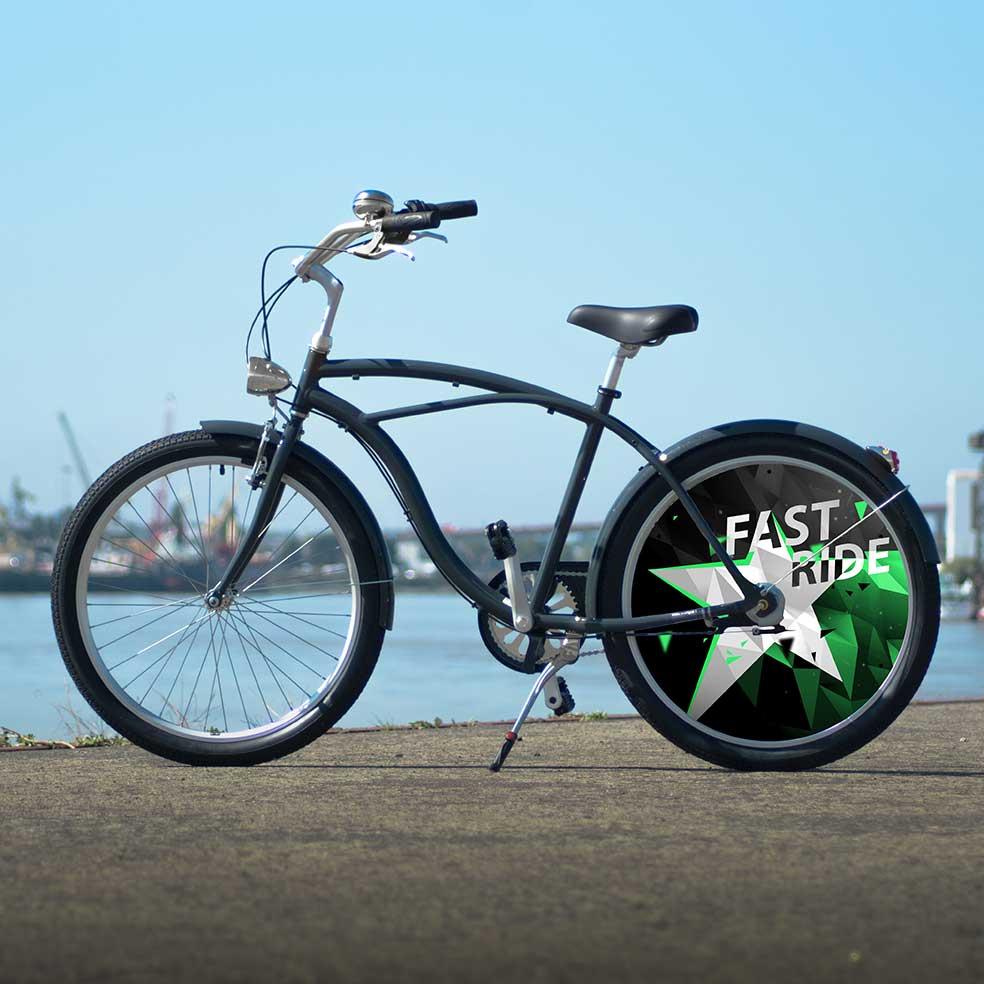 Vélo de ville Cruiser, collection Fast Ride. Une roue arrière plein, un enjoliveur au design ultra moderne. Pour vous démarquer dans vos déplacements en ville