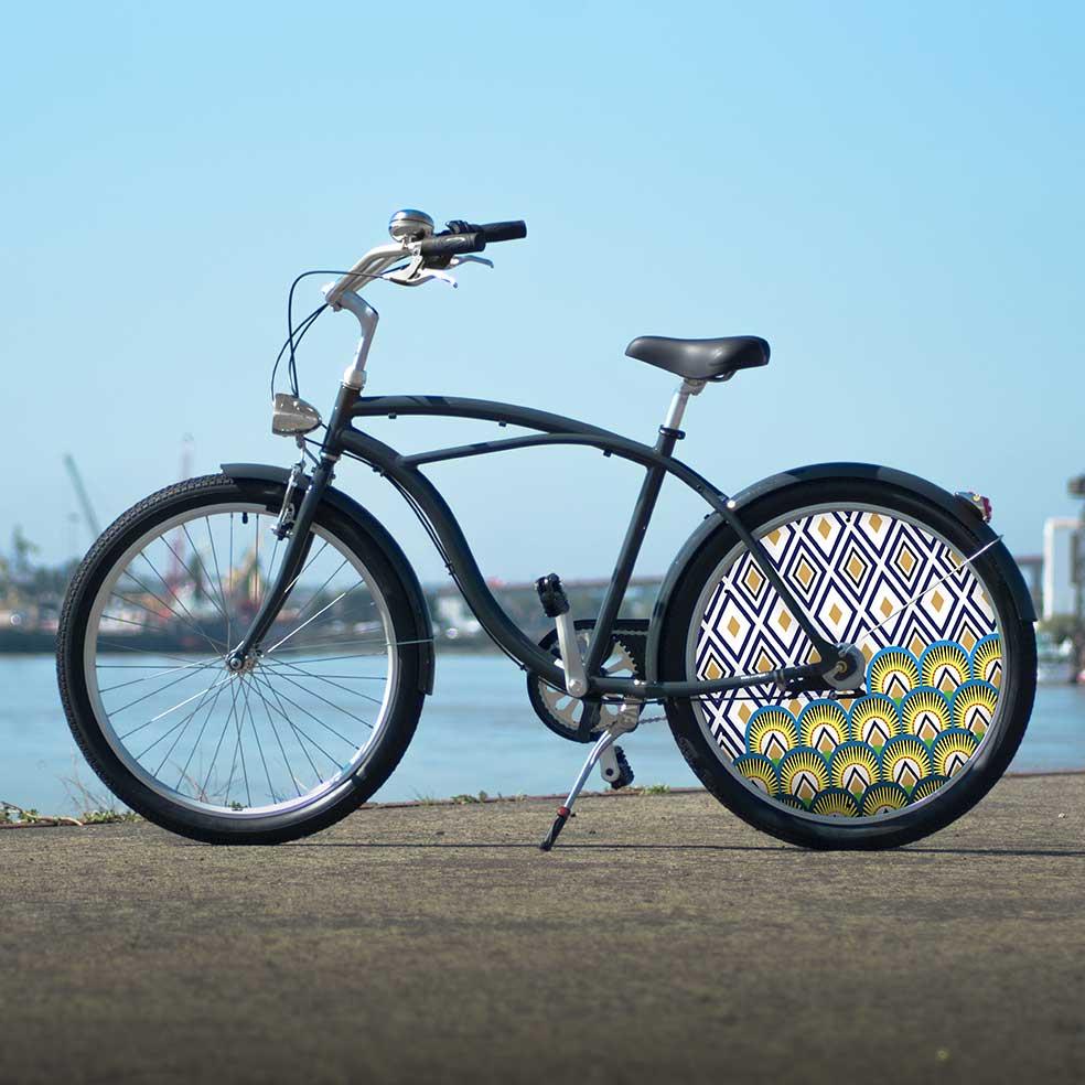 Vélo de collection Cruiser, collection Indigo. Un design unique pour vous différencier lors de vos trajets en ville. Une collection dans l'air du temps