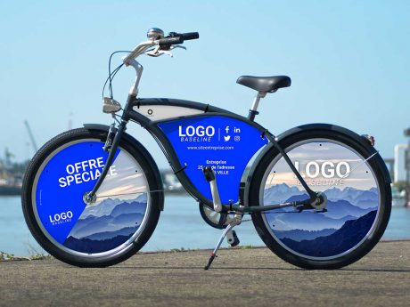 Vélo de ville Beach Cruiser pour vos campagnes publicitaires. Un vélo totalement personnalisé, deux roues pleines et un cadre habillés aux couleurs de votre entreprise