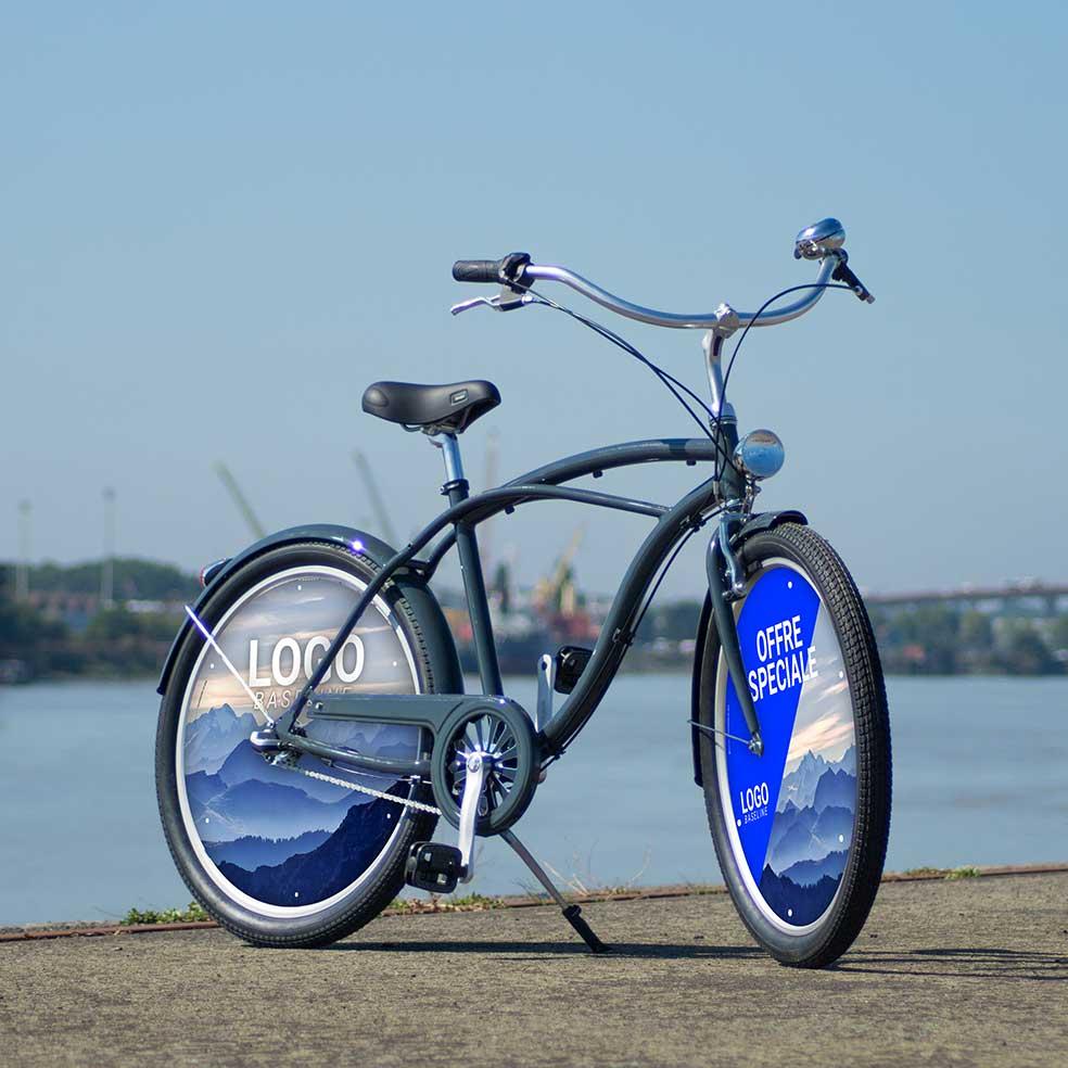 Vélo de fonction Cruiser. Deux roues pleines avec enjoliveurs. 2 roues lenticulaires pour un vélo de ville original pour vos salariés