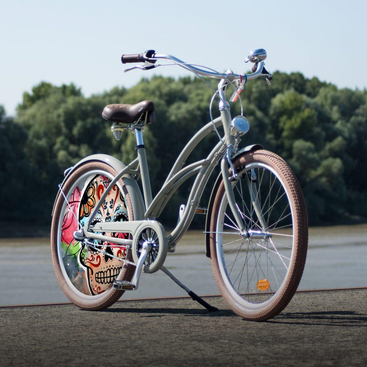Vélo de la collection Esqueleto. Vélo de ville avec 1 roue arrière lenticulaire. Trajets facilités et look assuré