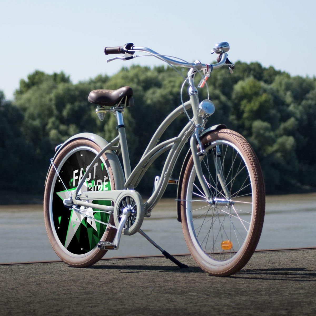 Vélo de collection Cruiser. Design FastRide, un vélo de collection avec une roue lenticulaire sur l'arrière de ce vélo de ville