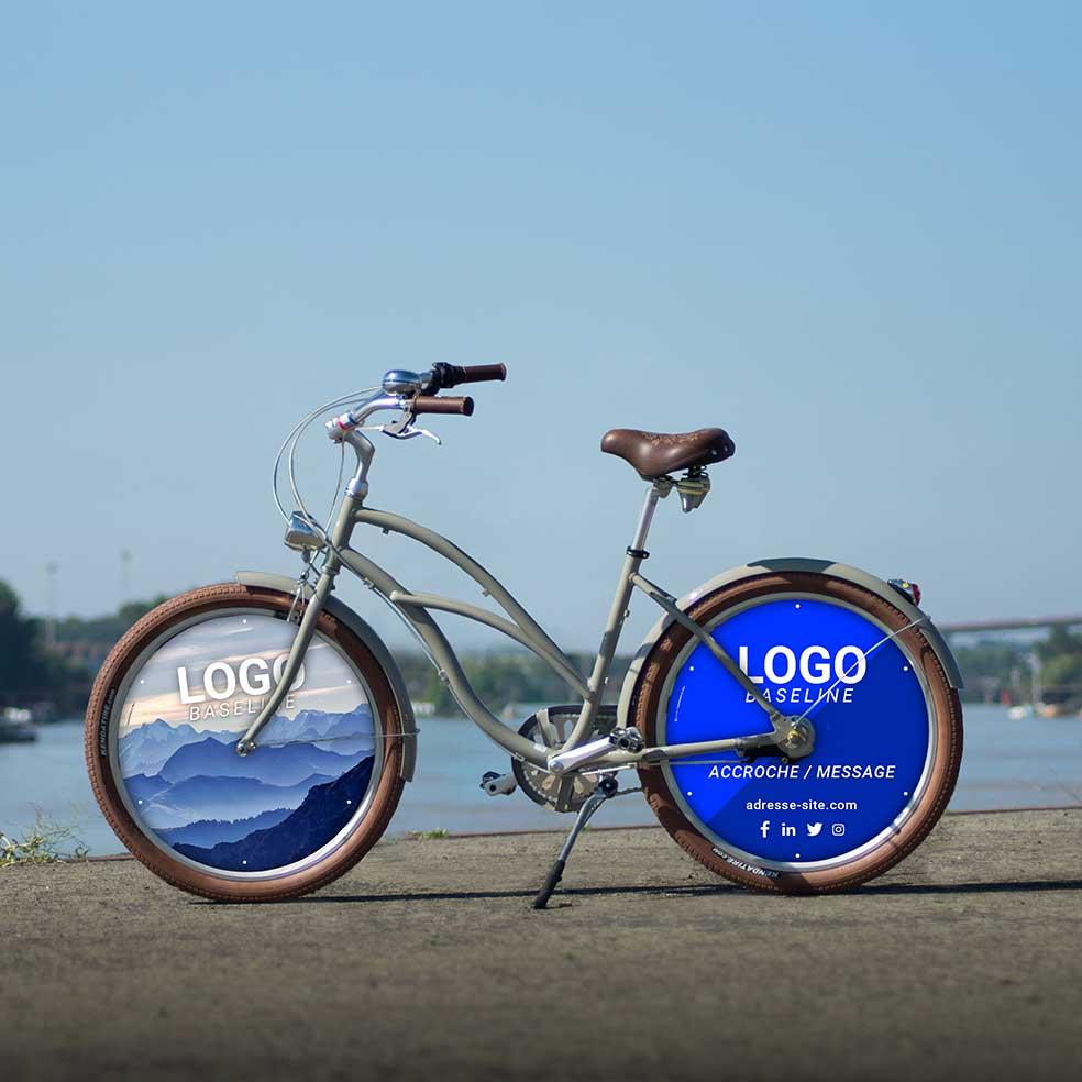 Vélo de fonction Cruiser Coaster mixte. Pour homme et femme, avec ses deux enjoliveurs. 2 roues pleines pour un vélo corporate